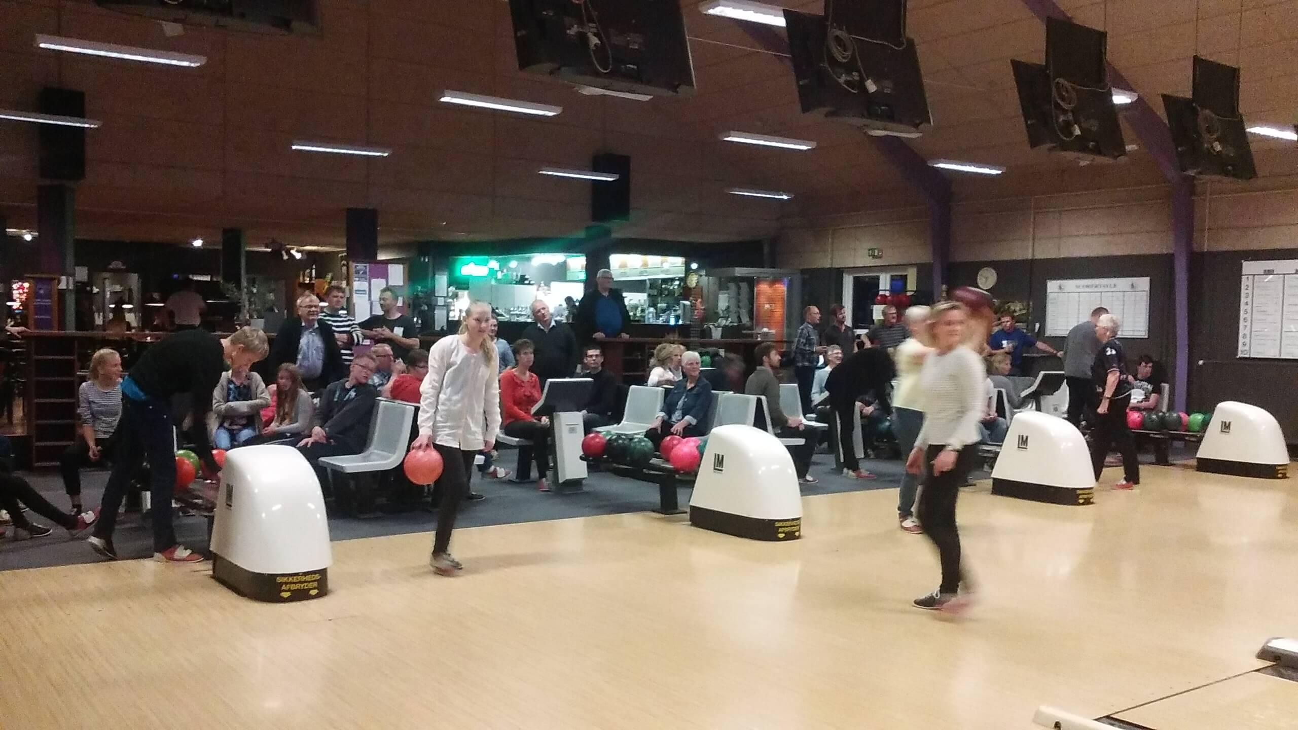 Bowlingtur for SLGU