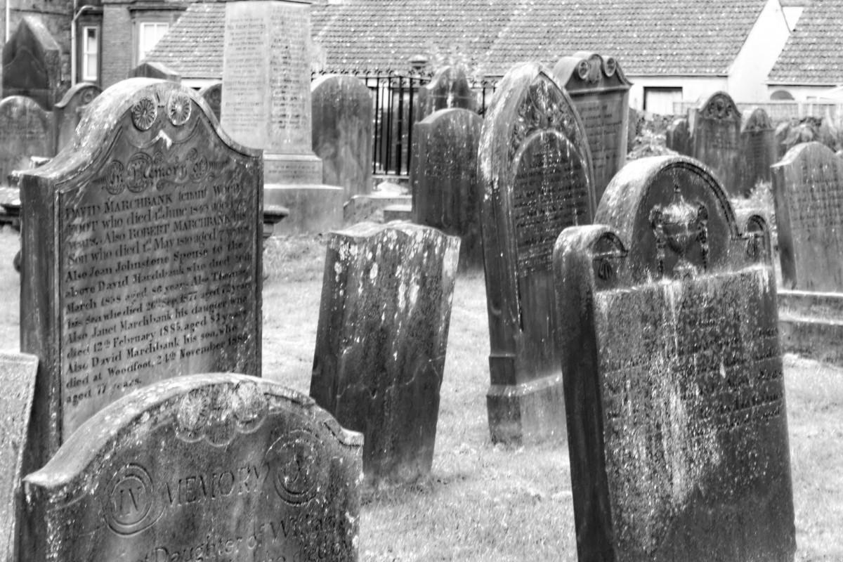 Hjemfaldne gravsten